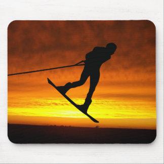 Silueta de la puesta del sol de Wakeboard Mousepads