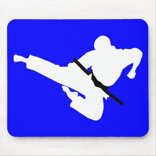 silueta de los artes marciales mouse pad