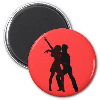 Silueta de los bailarines de la salsa imán redondo 5 cm