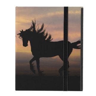Silueta de los caballos salvajes