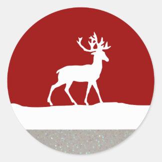 Silueta de los ciervos - rojo y blanco pegatina redonda