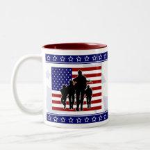 Silueta de los soldados de los E.E.U.U. - tierra d Taza De Café