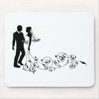 Silueta de novia y del novio de los pares del boda alfombrilla de raton