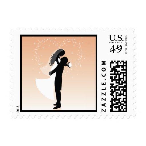 Silueta de novia y del novio del corazón del timbre postal