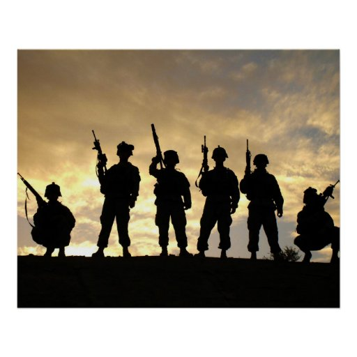 Silueta de soldados en la 101a división aerotransp poster