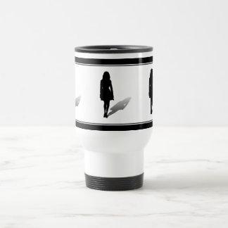 Silueta de una mujer taza de café