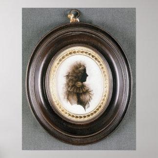 Silueta de una señora, pintada sobre el vidrio con póster