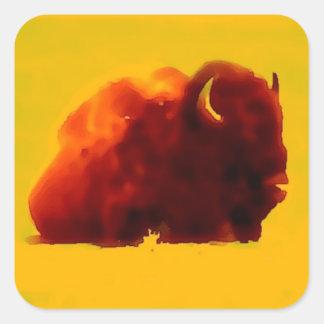 Silueta del bisonte que se sienta pegatina cuadrada