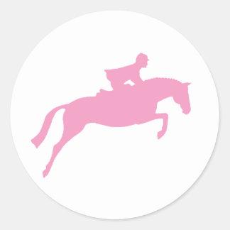 Silueta del caballo del puente (rosa) pegatina redonda