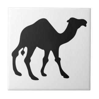 Silueta del camello azulejo cuadrado pequeño