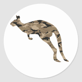Silueta del canguro del camuflaje etiquetas redondas