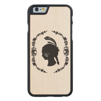 Silueta del chica del nativo americano funda de iPhone 6 carved® slim de arce