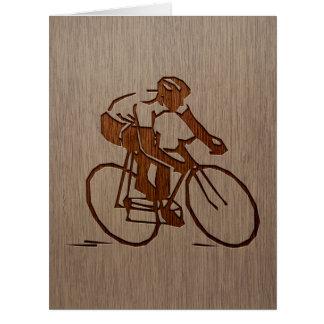 Silueta del ciclista grabada en el diseño de tarjeta de felicitación grande