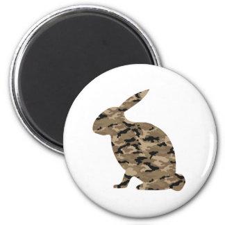Silueta del conejo del camuflaje imán redondo 5 cm