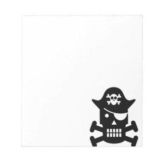 Silueta del cráneo del robot y del pirata de la bloc de notas
