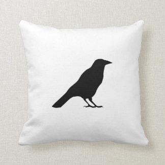 Silueta del cuervo almohada