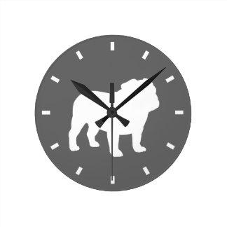 Silueta del dogo en el gris - personalizable del reloj redondo mediano