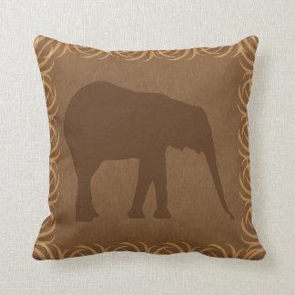 Silueta del elefante del tema del safari cojín