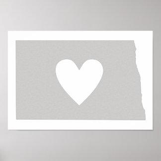 Silueta del estado de Dakota del Norte del corazón Poster