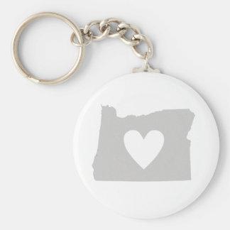 Silueta del estado de Oregon del corazón Llavero Redondo Tipo Pin