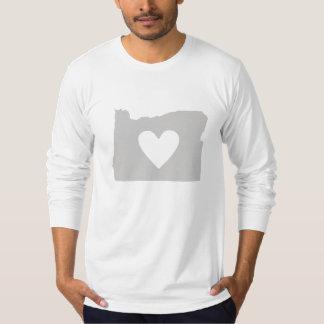 Silueta del estado de Oregon del corazón Poleras