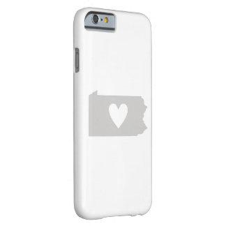 Silueta del estado de Pennsylvania del corazón Funda Para iPhone 6 Barely There