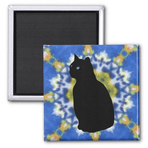 Silueta del gato e imán del teñido anudado