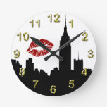 Silueta del horizonte de NYC, beso del edificio #1 Reloj De Pared