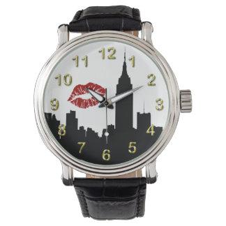 Silueta del horizonte de NYC, beso del edificio #1 Reloj De Mano