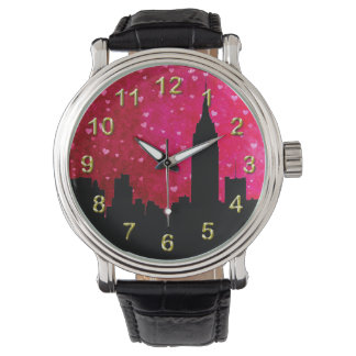 Silueta del horizonte de NYC, corazones rosados Reloj