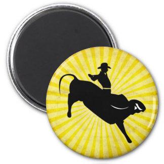 Silueta del jinete de Bull; amarillo Imanes De Nevera