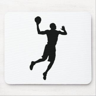 Silueta del jugador de básquet del arte pop mousepads