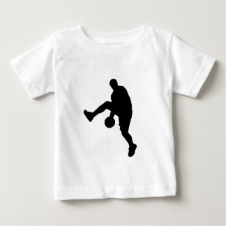 Silueta del jugador de básquet polera