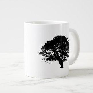 Silueta del manzano taza de café gigante
