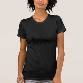Silueta del negro del tejón de miel camisetas