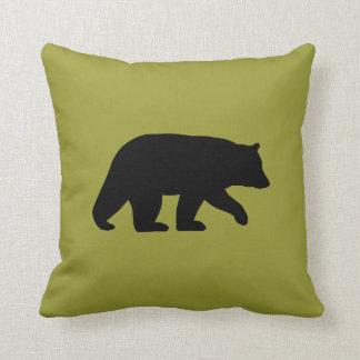 Silueta del oso negro - color adaptable cojín decorativo