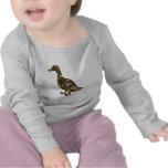 Silueta del pato del camuflaje camisetas