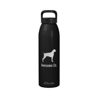 Silueta del perro del boxeador con el texto de enc botella de beber