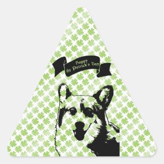 Silueta del perro del Corgi del St Patricks Calcomanías Triangulos