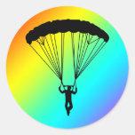silueta del skydiver etiquetas redondas