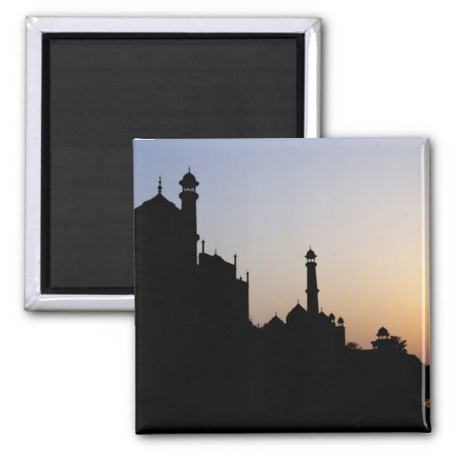 Silueta del Taj Mahal en la puesta del sol, Agra, Imán