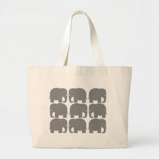 Silueta gris de los elefantes bolsa tela grande