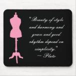 Silueta II de la forma del vestido - rosa Tapete De Ratones