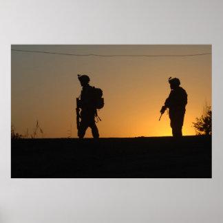 Silueta militar póster