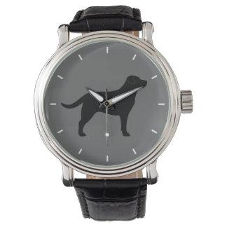 Silueta negra del labrador retriever reloj de mano