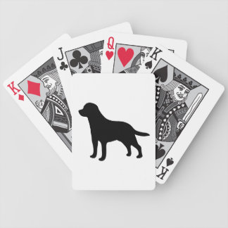Silueta negra hermosa del perro del labrador retri baraja cartas de poker