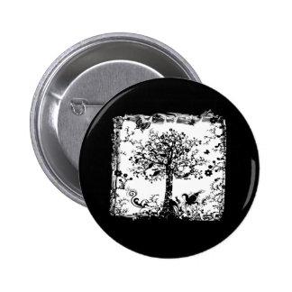 Silueta negra y blanca de la mariposa del árbol pin redondo de 2 pulgadas