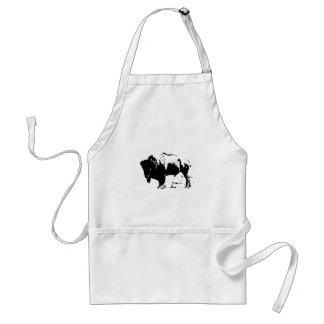 Silueta negra y blanca del arte pop del búfalo delantales