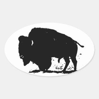 Silueta negra y blanca del búfalo pegatina ovalada