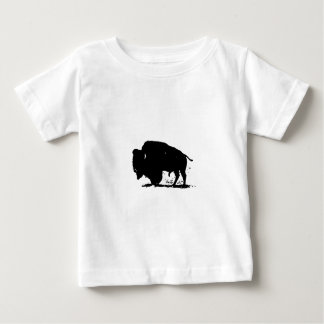 Silueta negra y blanca del búfalo tshirts